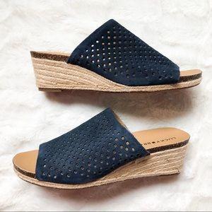 Lucky brand blue open toe sandals